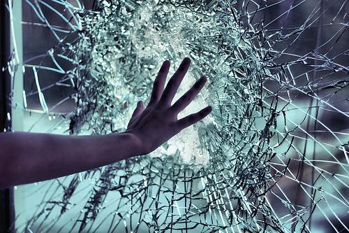 48479-Broken-Glass